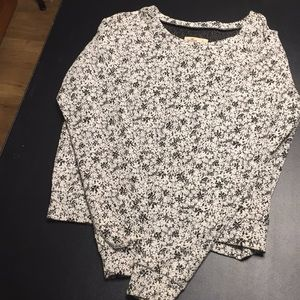 Hollister Black/White Sweater